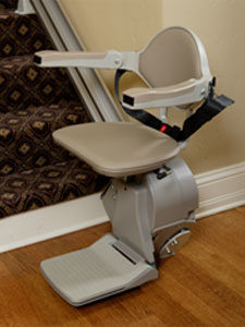 straight stair lift device
